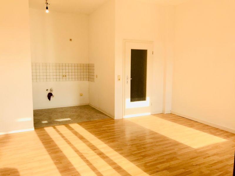 Dresdner Straße 57, Freital-Potschappel, Wohnzimmer mit Küche