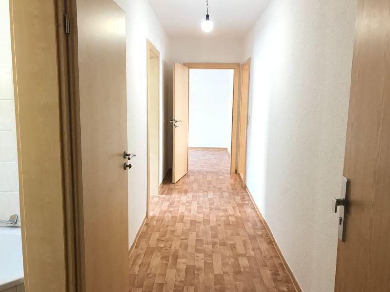 Südstraße 24, Freital-Deuben, Flur